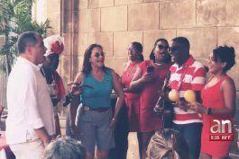 profugo de la justicia ecuatoriana, rafael correa fue captado en cuba haciendo turismo