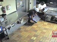captados en camaras quedaron dos hombres robando un subway en hialeah