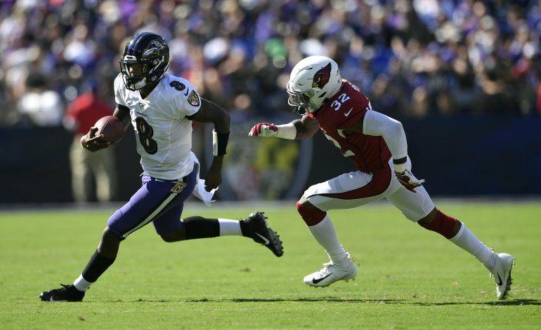 Ravens visitan a Chiefs en único duelo entre invictos