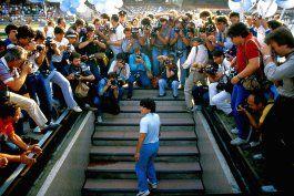 resena: cautivador documental de anos de maradona en napoles