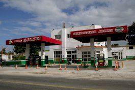 crisis energetica en cuba: horas en fila para cargar gas