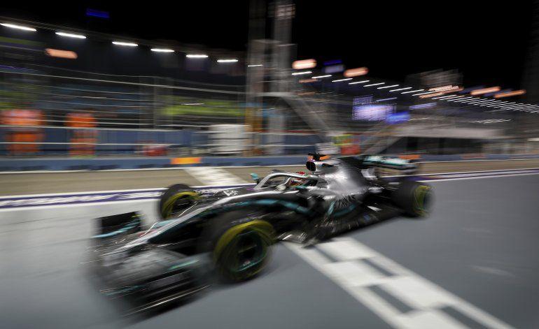 Hamilton lidera 2da práctica para GP de Singapur