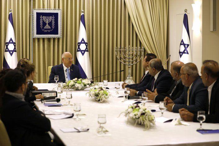 Legisladores árabes de Israel apoyan a Gantz para premier