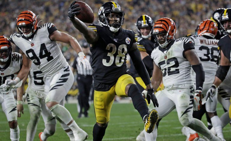 El versátil Samuels enciende la chispa de los Steelers