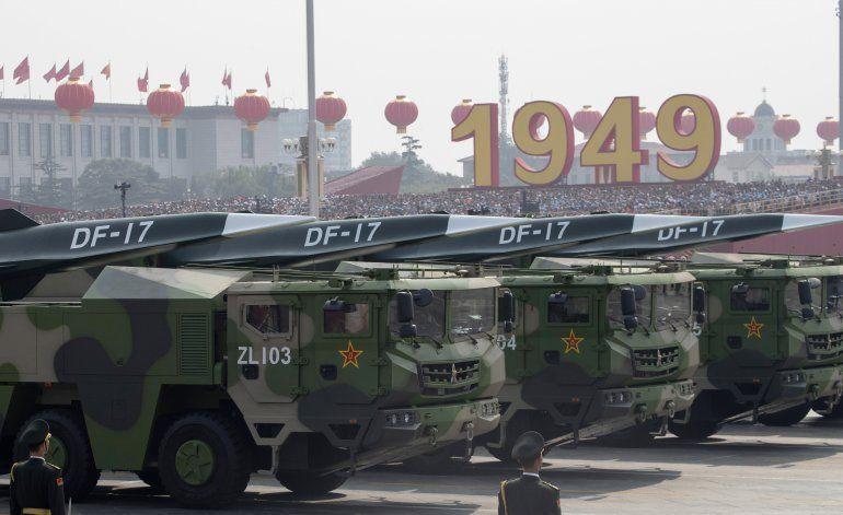 China exhibe nuevos misiles en nuevo despliegue de fuerza