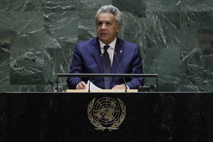Ecuador elimina subsidios estatales a combustibles