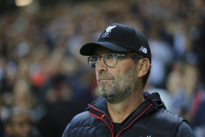 Liverpool multado por alineación indebida en Copa de Liga