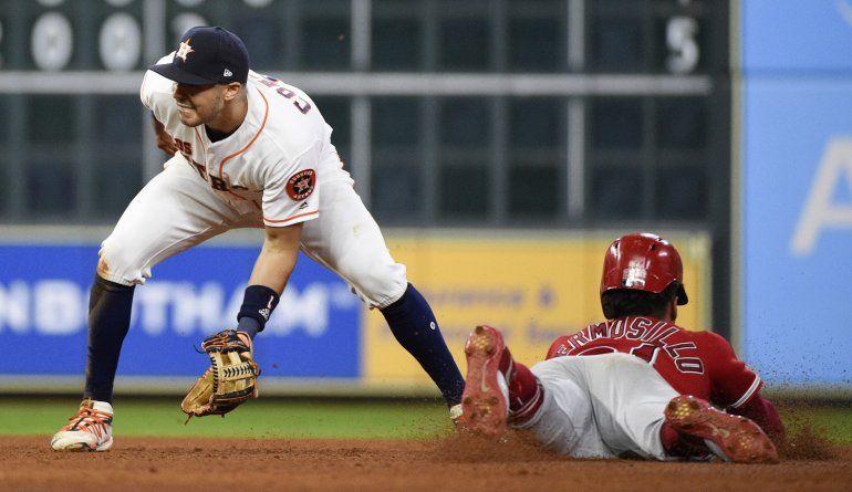 Correa espera jugar para los Astros en la Serie Divisional