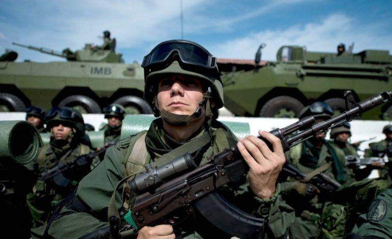 Militares venezolanos en el exilio se agrupan en coalición para respaldar transición