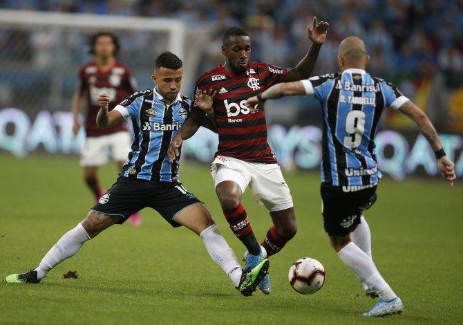 Gremio y Flamengo empatan 1-1 en ida de semifinales
