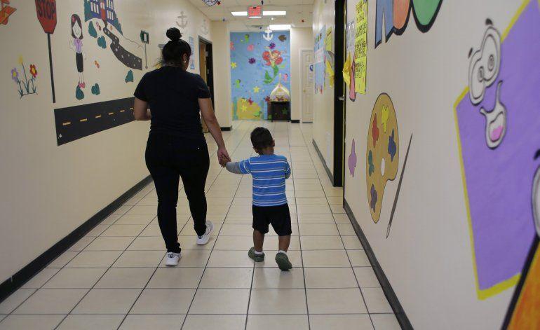 Gobierno de Trump privatiza la detención de niños migrantes