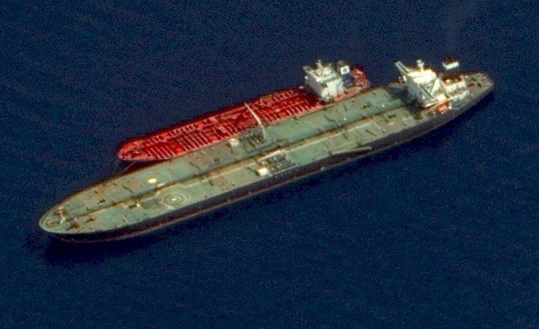Imágenes por satélite muestran actividad en petrolero iraní