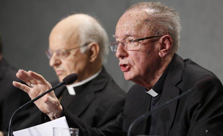 Vaticano defiende propuesta de curas casados para Amazonía
