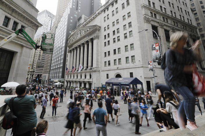 Wall Street remonta y cierra mayormente en alza