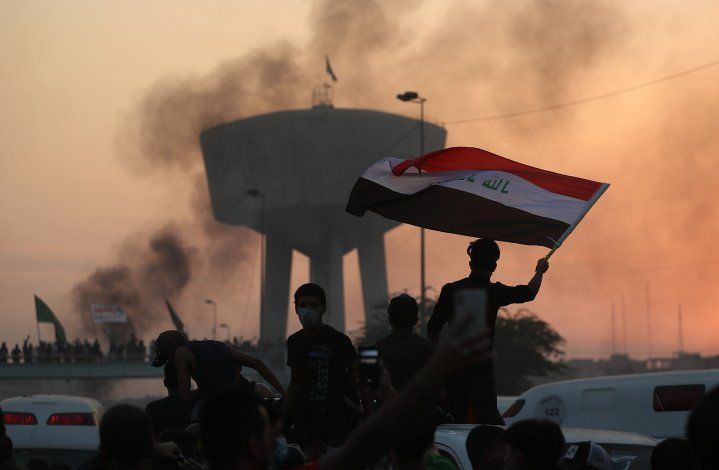 Irak: Mueren 33 en nuevas protestas, pese a toque de queda