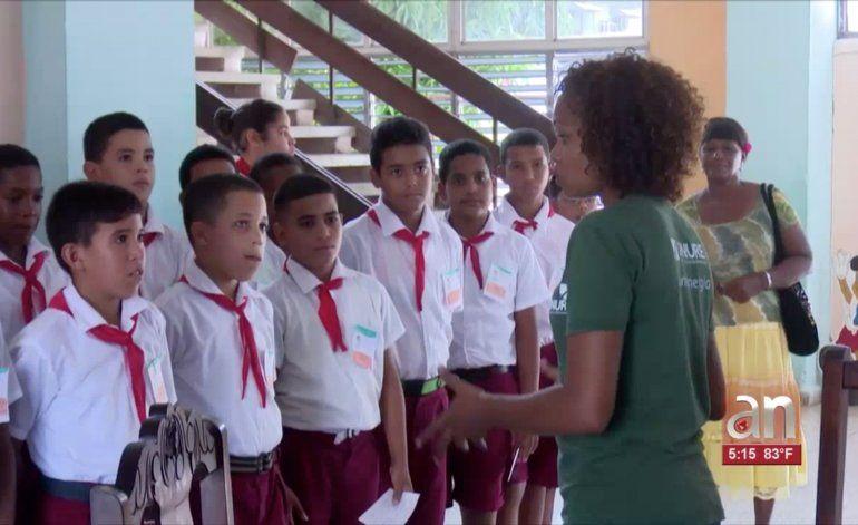 Régimen usa horario de clases y descanso de niños para vigilar el ahorro de electricidad en casas y centros de trabajo