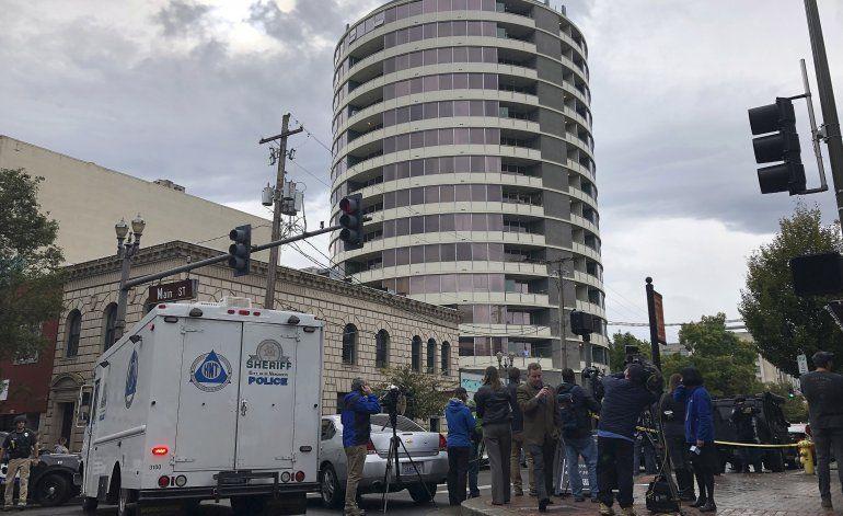 Washington: Octogenario dispara en edificio de apartamentos