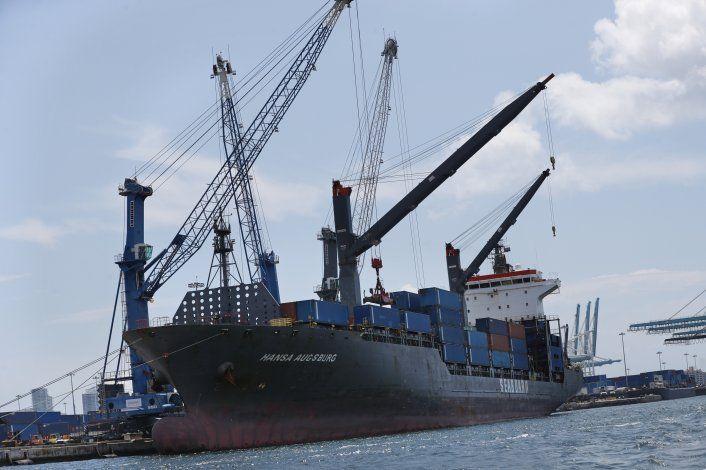 Aumenta déficit comercial de EEUU en agosto a 54.900 mdd