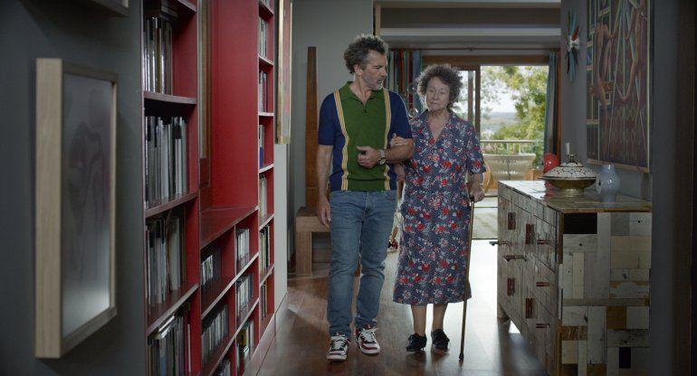 Entrevista AP: Almodóvar rodaría por 1ra vez fuera de España