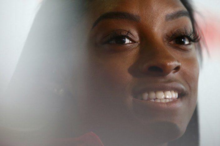 FIG dice que riesgo influyó en calificación a Simone Biles