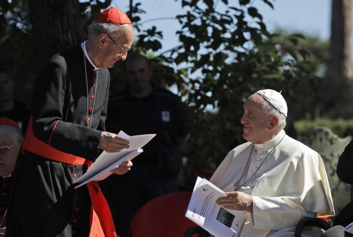 Papa nombra 13 cardenales, forjando futuro a su semejanza