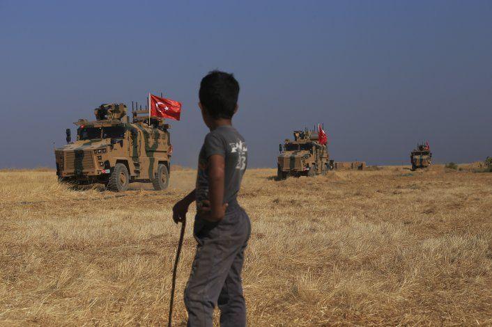 Turquía amenaza con lanzar ofensiva en norte de Siria