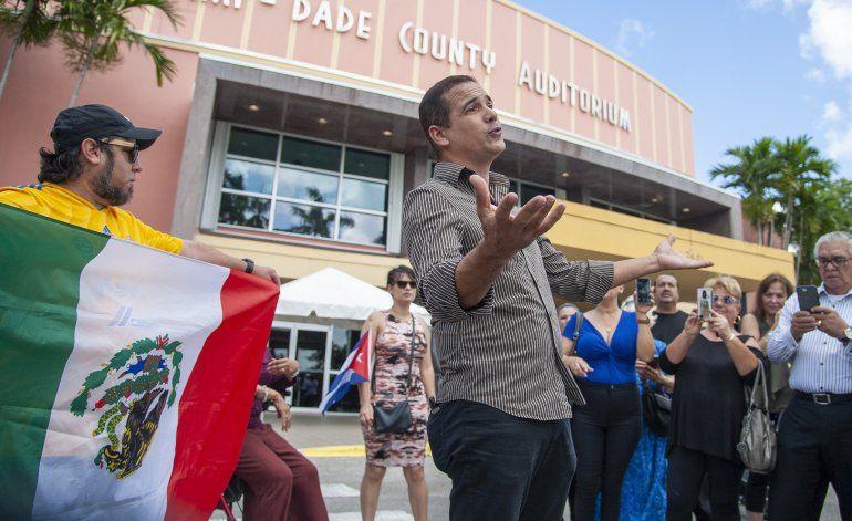 Hija: José José será cremado, mitad irá a México