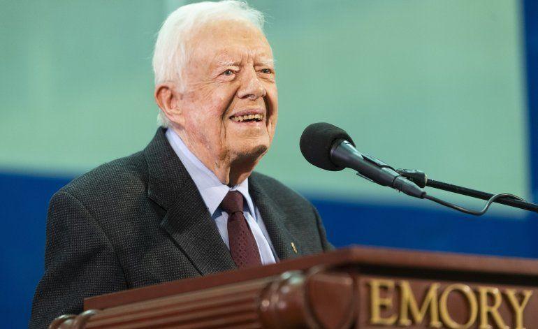 EEUU: Expresidente Carter recibe puntos de sutura tras caída