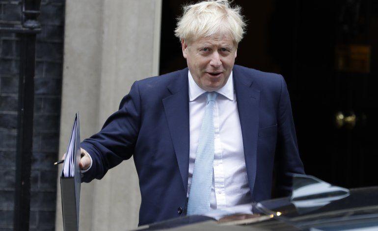 Johnson intenta disipar reparos de la UE a su plan de Brexit