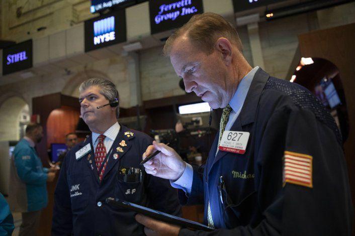Wall Street no logra salir de racha negativa