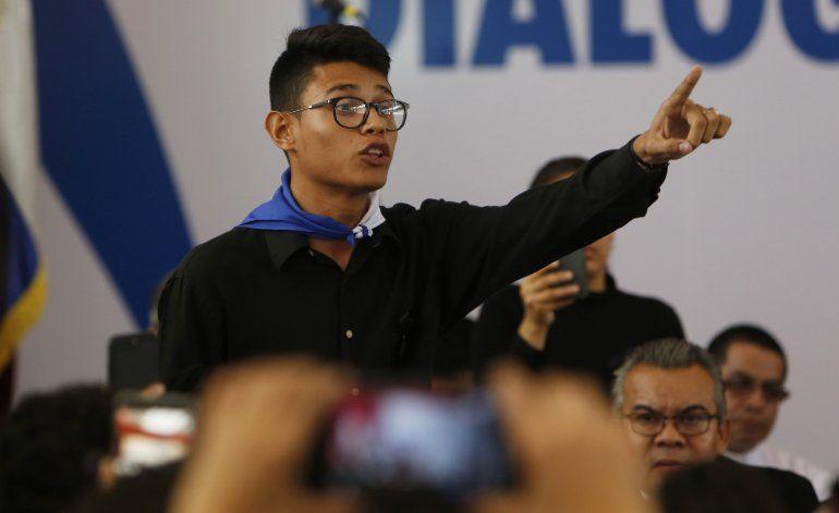 Nicaragua: regresa líder estudiantil opositor Lesther Alemán