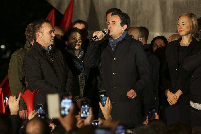 Oposición de Kosovo gana elecciones legislativas anticipadas