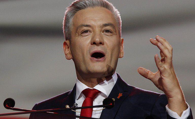 Polonia: Político rescata padre e hijo de auto en llamas