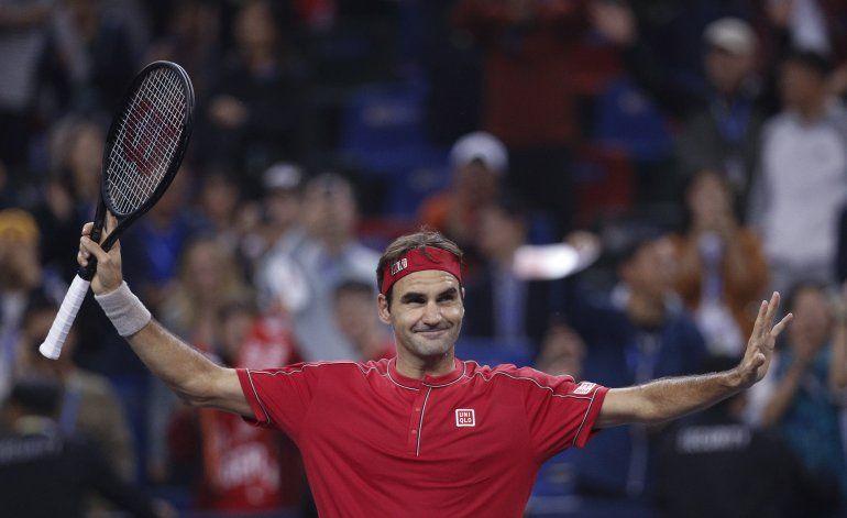 Federer sin apuros a tercera ronda en Shangai; Murray fuera