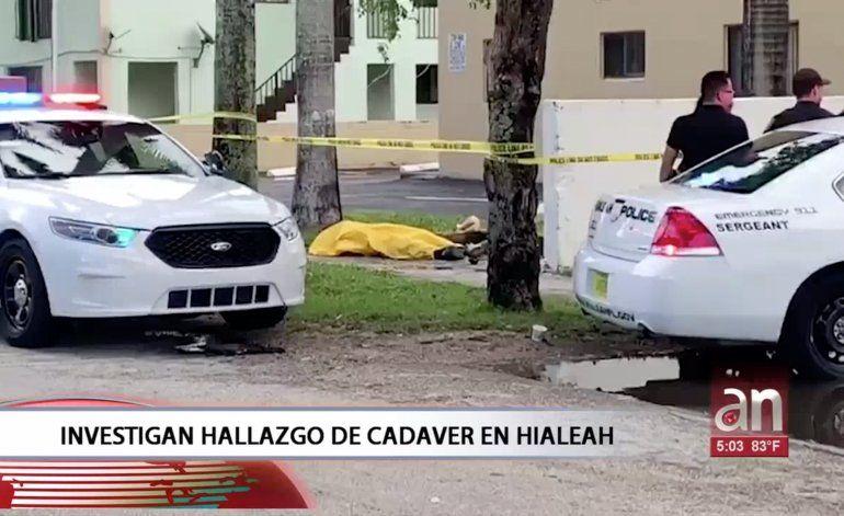 Encuentra un cadáver tendido en una calle del West de Hialeah
