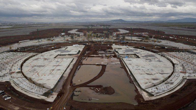 """México: Aeropuerto cancelado """"no sirve para nada"""""""