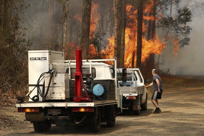 Incendios forestales en este de Australia destruyen 30 casas