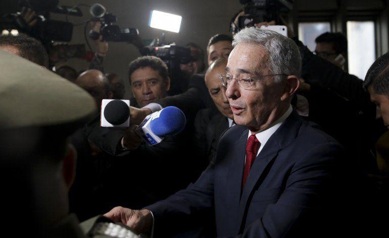 Colombia investigará expresidente Uribe por fraude y soborno