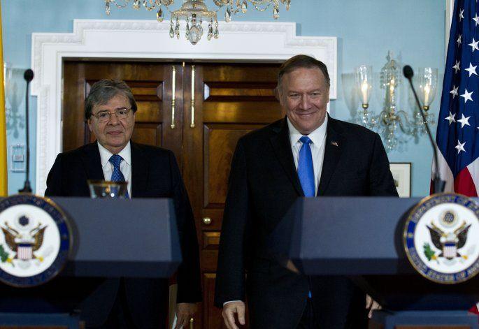 EEUU y Colombia hablan de erradicación de cultivos de coca