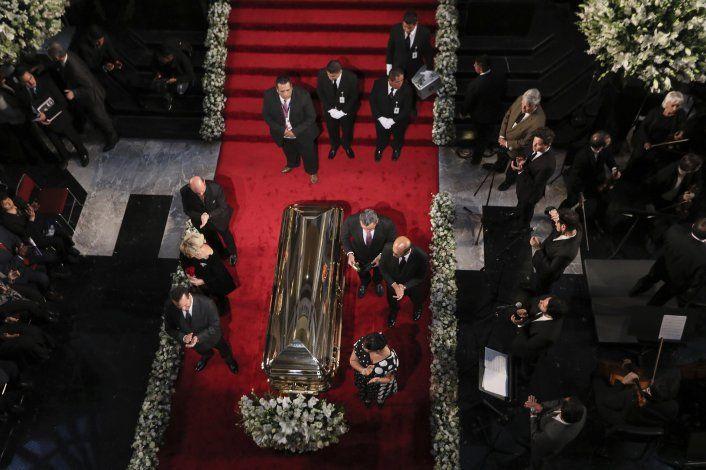 México rinde homenaje a José José en Bellas Artes