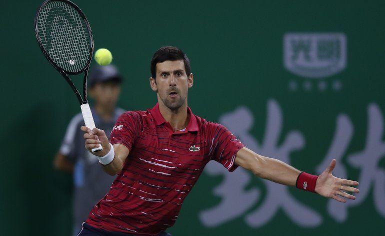 Djokovic se estrena con victoria en el Masters de Shangai