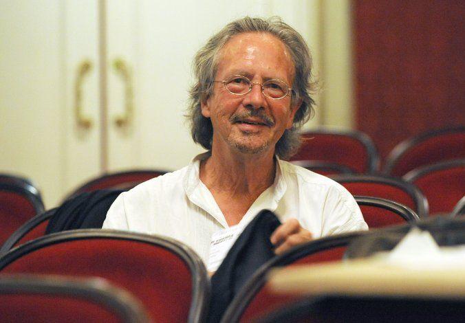 Premio Nobel de literatura no se libra de controversia