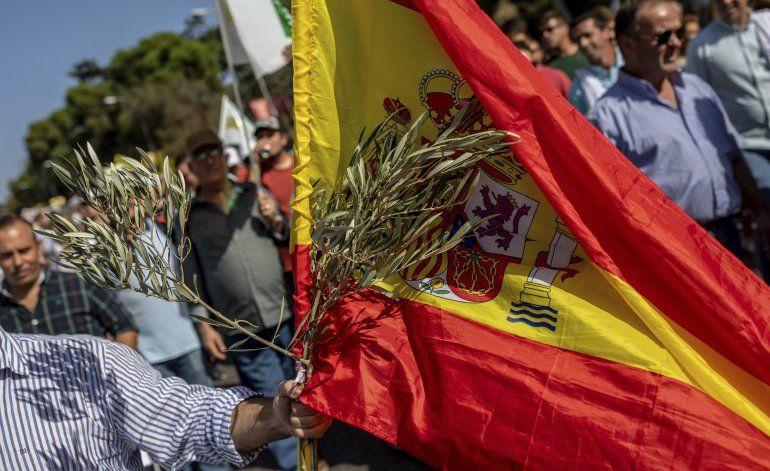 España: Agricultores protestan ante bajo precio de aceitunas