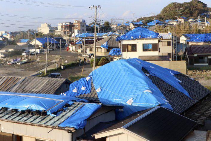 Un súper tifón se encamina hacia la isla principal de Japón