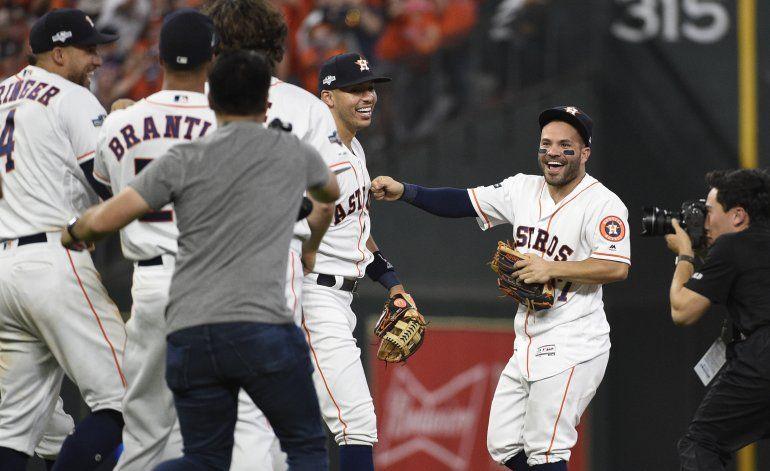 Astros eliminan a Rays; otra vez contra Yanquis en final LA