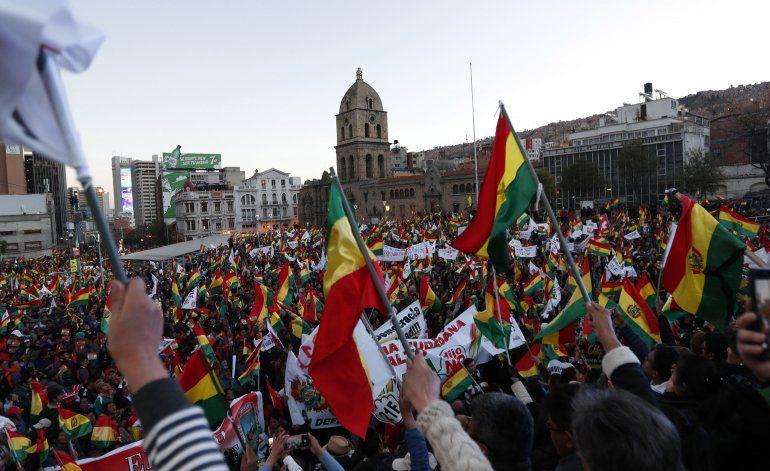 Bolivia vuelve a la calle rechazando candidatura de Morales