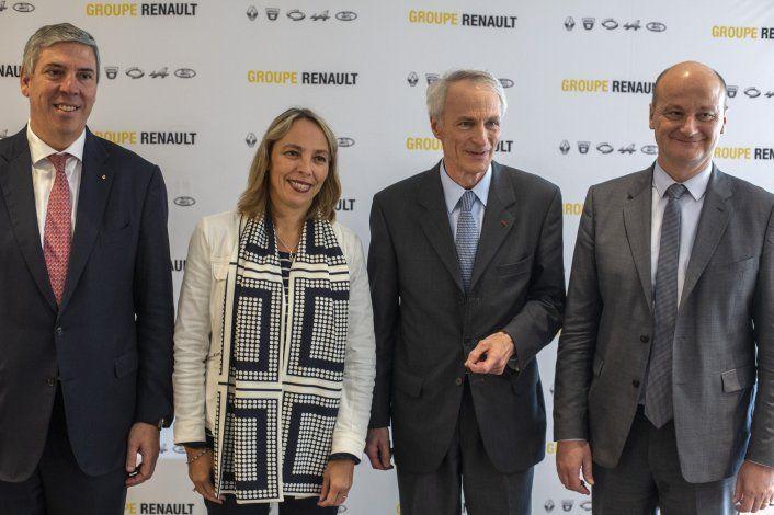 """Renault despide CEO para """"insuflar nueva vida"""" en alianza"""