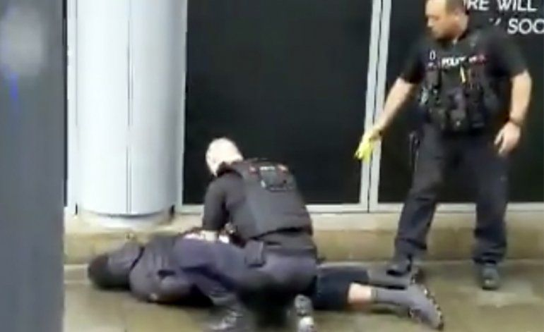 Cinco personas resultan heridas a cuchilladas en Inglaterra