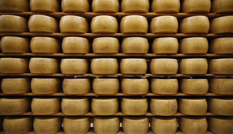 Clientes de EEUU compran queso italiano antes de aranceles