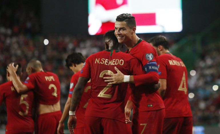 Euro: Inglaterra cae por 1ra vez en 10 años, Francia gana